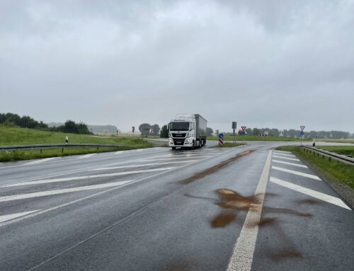 Brenken: Ölspur im Bereich L776/A44 – K37