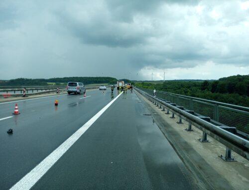 BAB44: Verkehrsunfall mit mehreren PKW